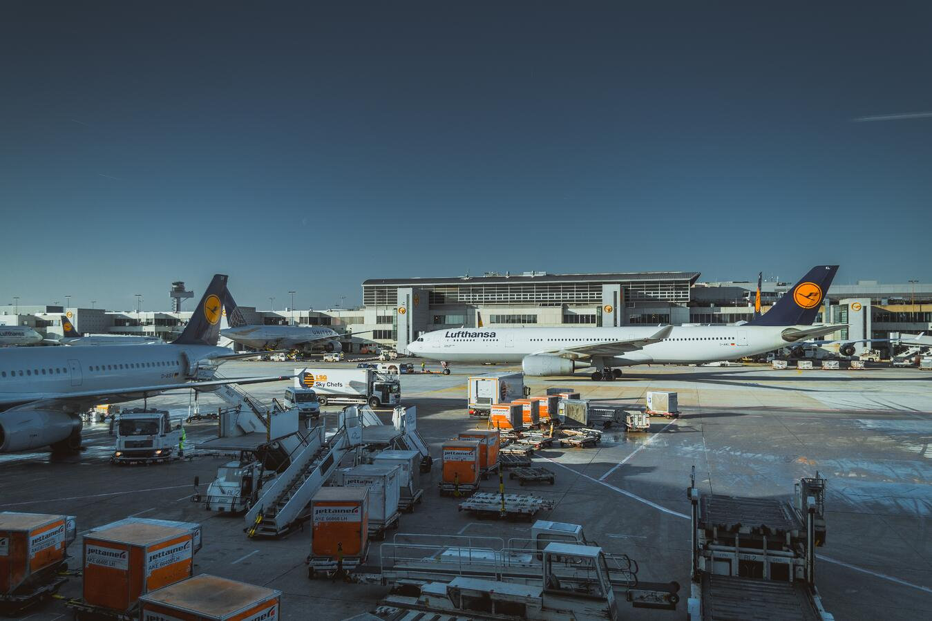 IMAGE 3_ '3 ways groundbreaking GSE technology is making airport maintenance'.jpg
